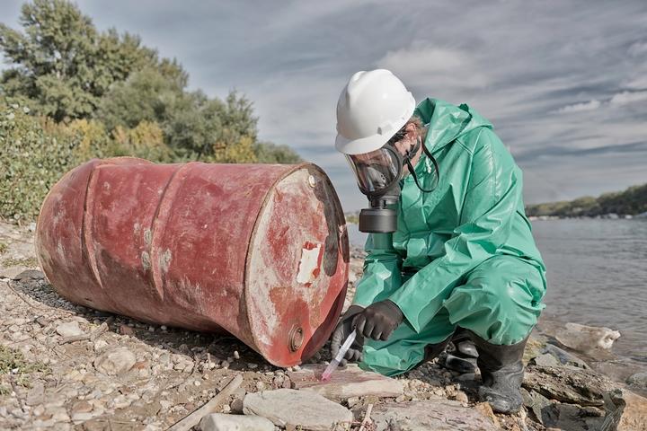 5 Environmental Hazards of Unsafe Liquid Disposal