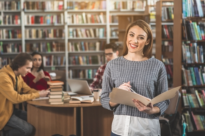 Four Reasons to Consider an Essay Writing Service