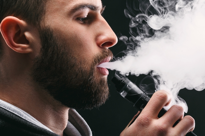 How to Vape for Beginners: 7 Cool Vape Tips